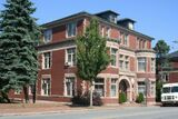 FOR LEASE-West End Professional Offices